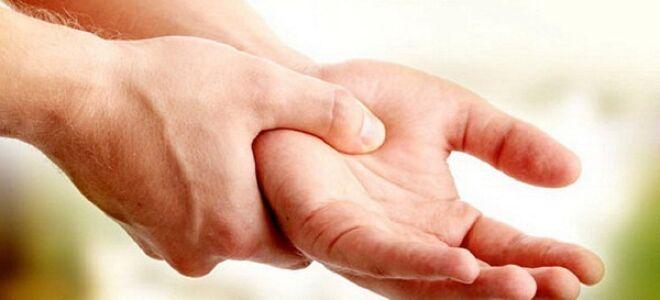 Почему отекает рука после инсульта?