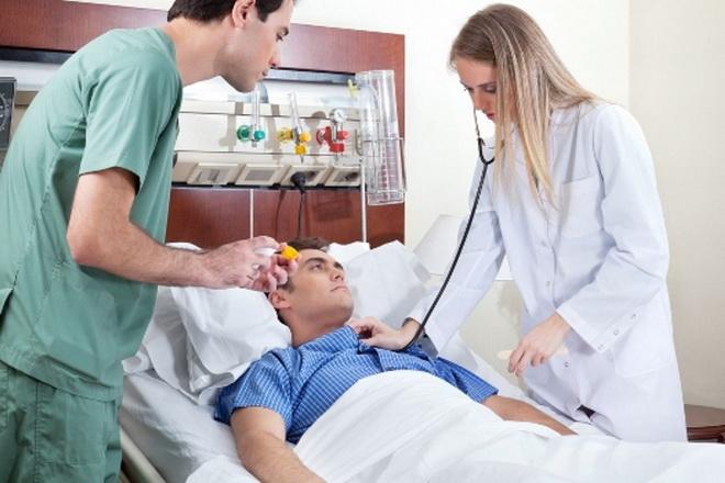 Обследование пациента после инсульта