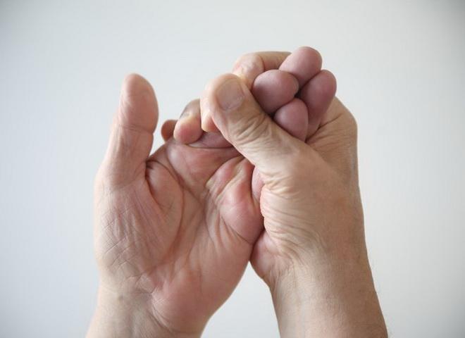 Покалывание в руках