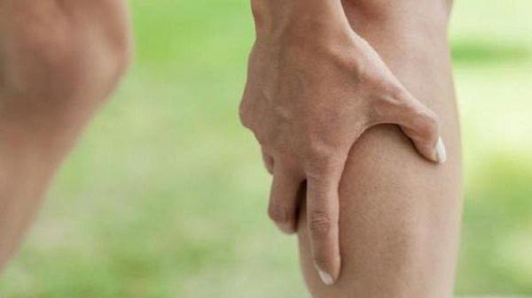 Аневризма бедренной артерии симптомы