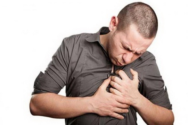 Стеснение в груди