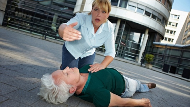 Опасен ли обморок при вегето-сосудистой дистонии, и как предупредить потерю сознания. Тяжелая голова при ВСД (мутная)
