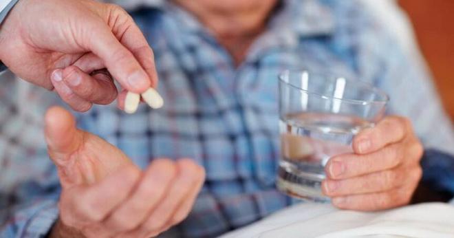 таблетки больному